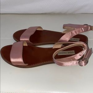 Steve Madden pink sandals with silver buckles